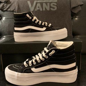Vans platform high tops and T shirt